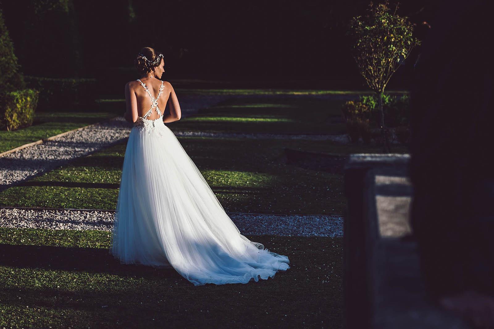 great hall at mains wedding bride